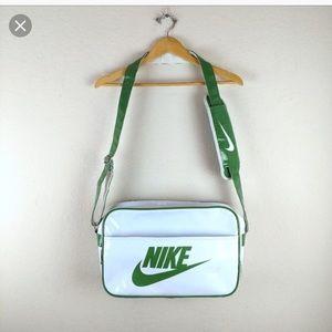 Nike swoosh retro duffel gym bag vintage 90s